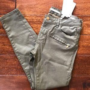 NWT Zara Olive Skinny Jeans with zipper detail